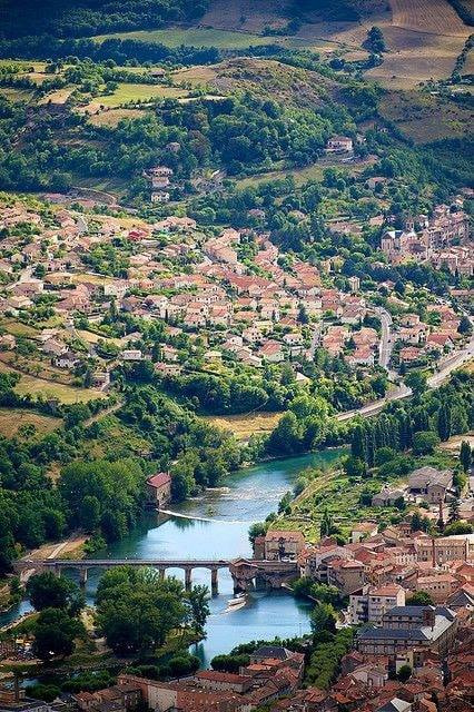 River Tarn Millaue Aveyron, France.jpg
